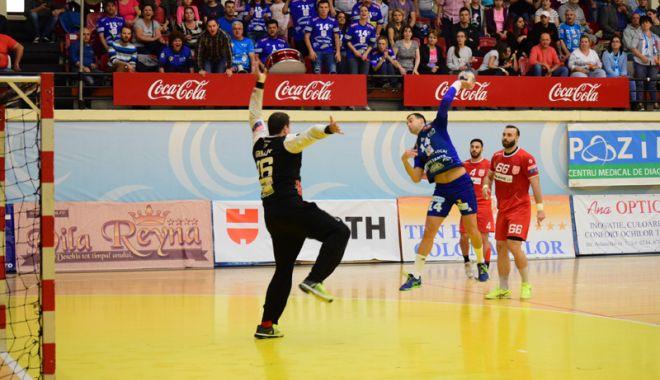 Foto: HC Dobrogea Sud obţine un punct muncit la Dinamo, după ce a recuperat nouă goluri