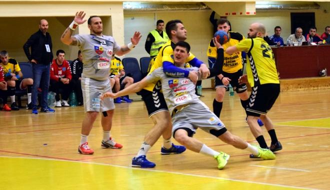 Foto: HC Dobrogea Sud Constanța, învinsă pe terenul celor de la CSA Steaua București