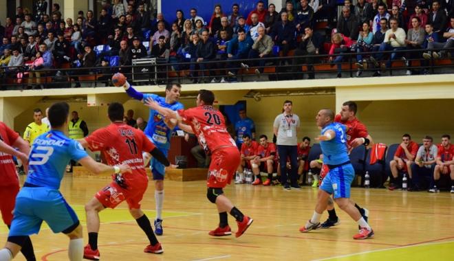 Foto: HC Dobrogea Sud joacă finala pentru medaliile de bronz. Dinamo, ajutată de arbitri