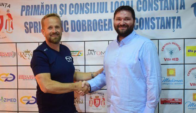 Foto: HC Dobrogea Sud şi-a prezentat  noul antrenor: Zvonko Sundovski
