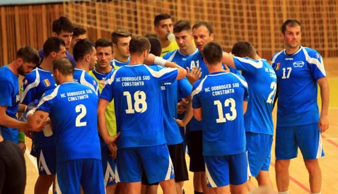 Foto: HC Dobrogea Sud şi HC Farul şi-au primit partea de la CJC