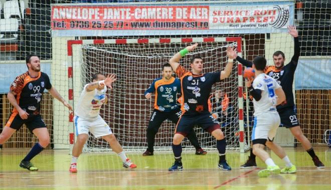 Foto: HC Dobrogea Sud, în faţa  primului examen din play-off