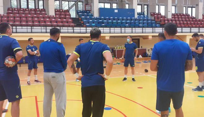 Handbaliștii de la HCDS s-au întors în Sala Sporturilor - hcds-1593700407.jpg