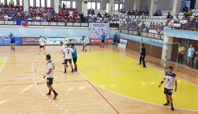 Handbal și entuziasm la Sala Sporturilor! HC Dobrogea Sud și-a prezentat lotul - hcds1-1566491828.jpg