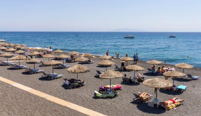 Foto: Noi reguli pentru românii care merg în Grecia. Ce acte sunt necesare