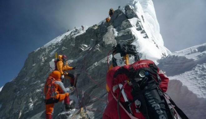 Foto: Bilanţul intemperiilor produse în Masivul Himalaya a ajuns la 43 de morţi