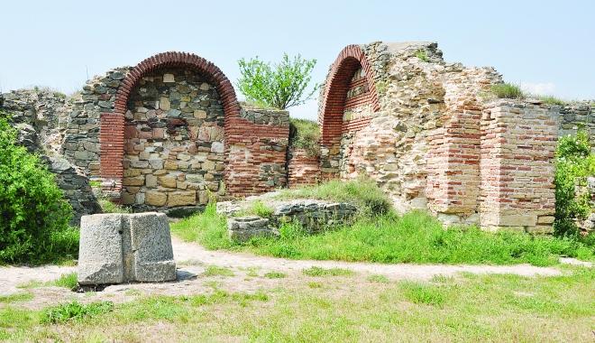 Foto: Obiectivele turistice ale litoralului. Cetatea Histria