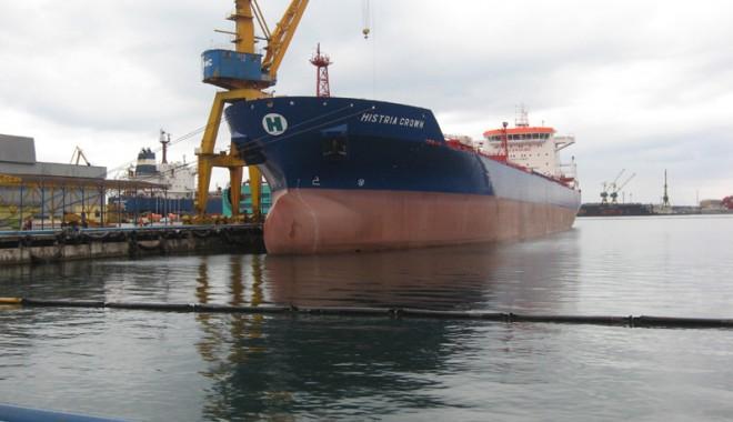 Foto: Şantierului Naval Constanţa se pregăteşte de… botez