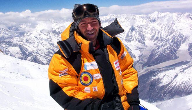 Foto: Horia Colibăşanu pregăteşte ascensiunea finală spre Everest