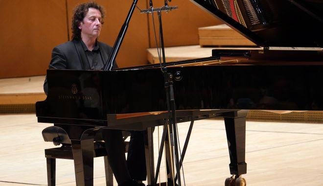 Horia Mihail aduce geniul lui Beethoven la Constanța - horiamihailaducesursacredidam-1593712190.jpg