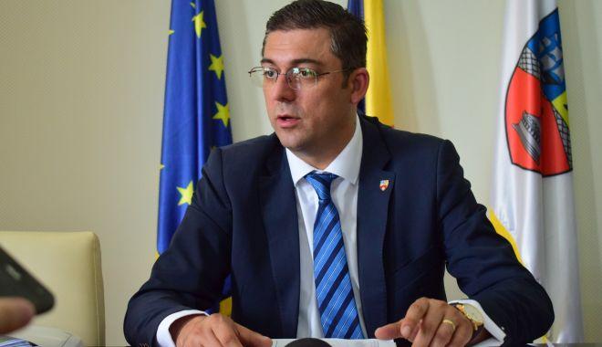 Foto: ANI: Marius Horia Ţuţuianu, preşedintele CJ Constanţa, găsit în incompatibilitate