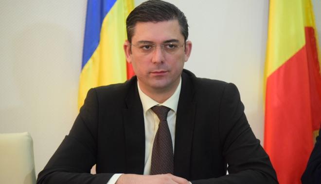 Foto: Audit la Teatrul de Stat. Şeful CJC, Horia Ţuţuianu, a dispus verificarea activităţii