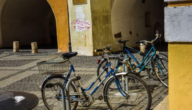 Foto: Hoții de biciclete au fost prinși