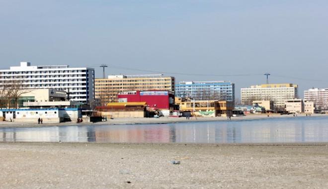 INSULE ARTIFICIALE ȘI PARCĂRI SUPRAETAJATE? Cum va arăta stațiunea MAMAIA după aprobarea noului PUZ - hotelurimamaiaplaja1-1369062635.jpg