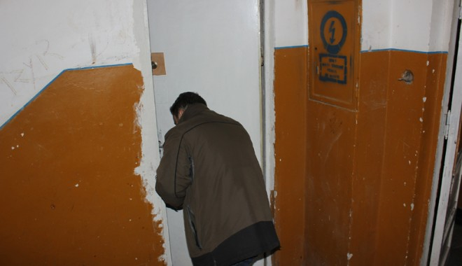 Foto: CONSTANŢA SUB ASEDIUL SPĂRGĂTORILOR / Spune-mi ce uşă ai, ca să-ţi spun dacă te calcă hoţii!