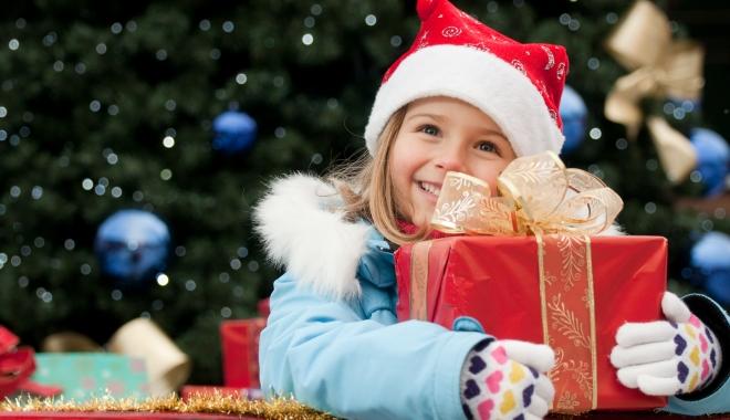 Foto: Cadouri pentru copii de la Primăria Constanţa
