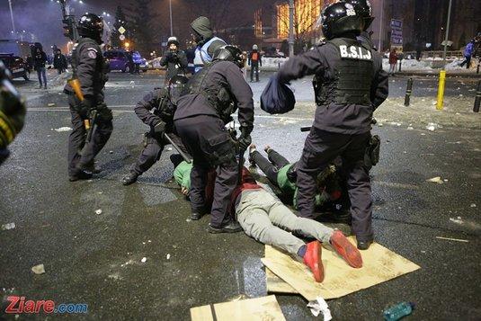 Foto: Ionuţ Negoiţă, prima reacţie despre huliganii de la proteste