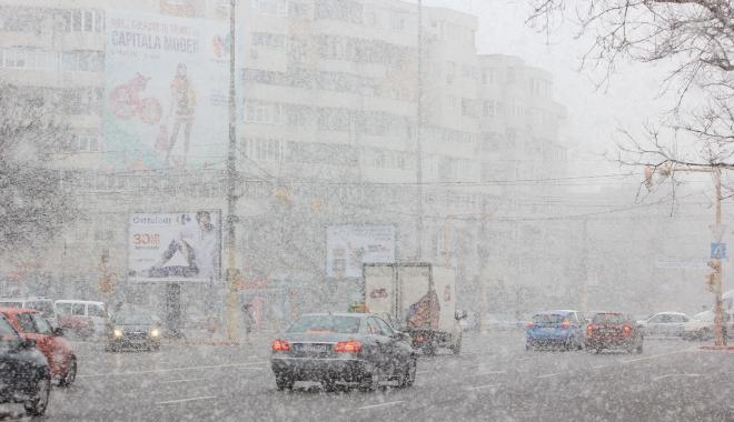 VIN NINSORILE LA CONSTANŢA! De luni încep ploile şi se face din ce în ce mai frig - iarna-1511693325.jpg