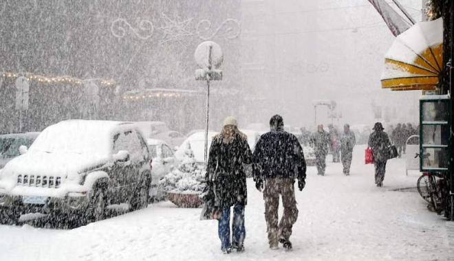 Foto: VISCOL ŞI NINSORI LA CONSTANŢA! Meteorologii au emis o INFORMARE DE VREME REA