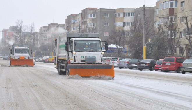 A fost ridicată INTERDICȚIA de circulație pe drumurile din Constanța - iarnazapadagerutilajedezapezire7-1391090894.jpg