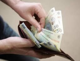 Foto: Iată cât câștigă românii din salarii