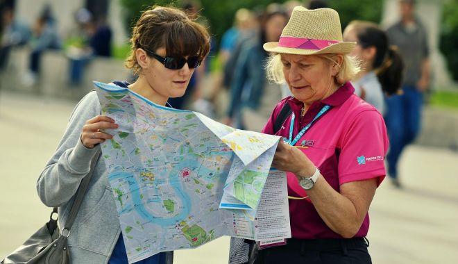 Foto: Iată cât cheltuiesc turiștii străini în România