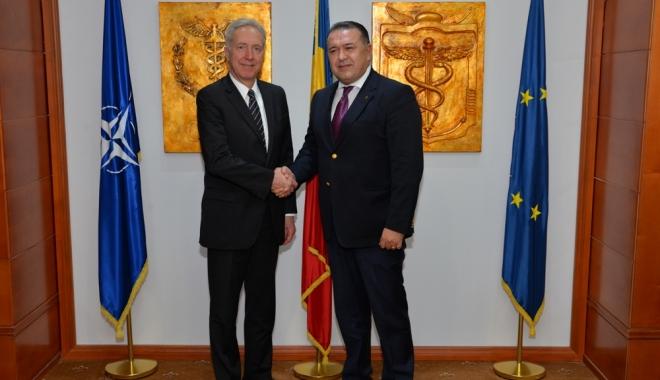 Foto: Iată ce au discutat Mihai Daraban, preşedintele CCIR, şi Hans Klemm, ambasadorul SUA în România