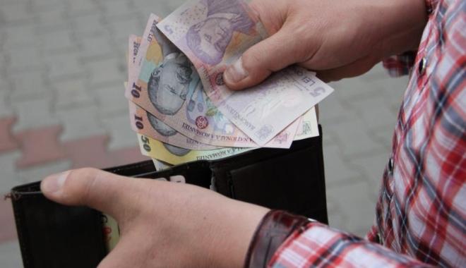 Foto: Iată ce venituri au şi cât cheltuiesc românii
