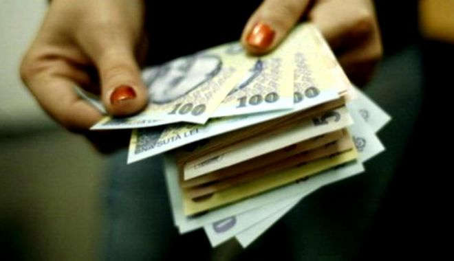 Foto: Iată cu cât a crescut câștigul salarial al românilor