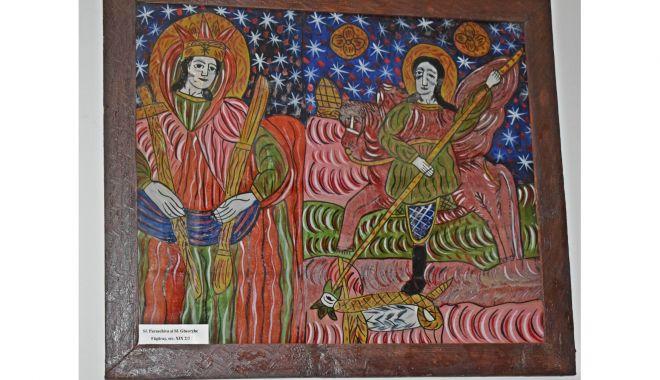 Admiraţi icoana sfinţilor Paraschiva şi Gheorghe la Muzeul de Artă Populară! - icoana2-1621779614.jpg