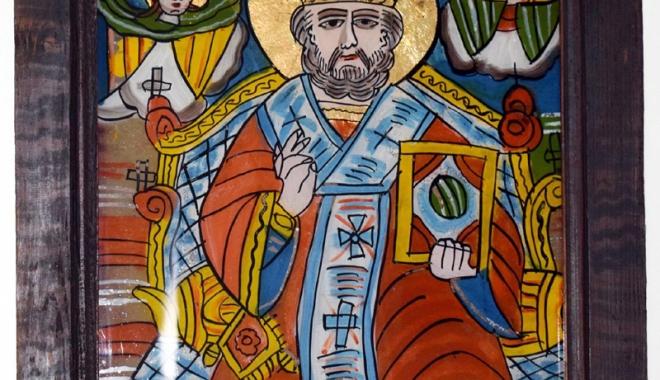 Foto: Icoane cu chipul  Sfântului Nicolae,  la Muzeul de Artă Populară