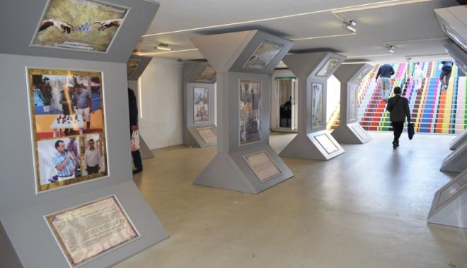 """Foto: Cum arată """"Identitatea Culturală din Dobrogea"""" la Galeria """"Virgil Coman"""""""