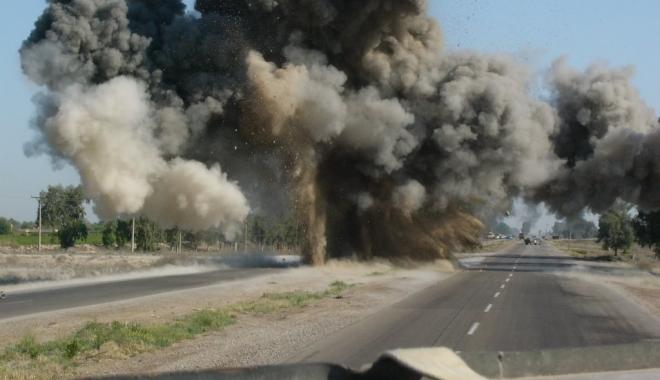 Foto: Bilanţ sinistru în urma unui atentat. Cel puţin 37 de morţi la o bază militară