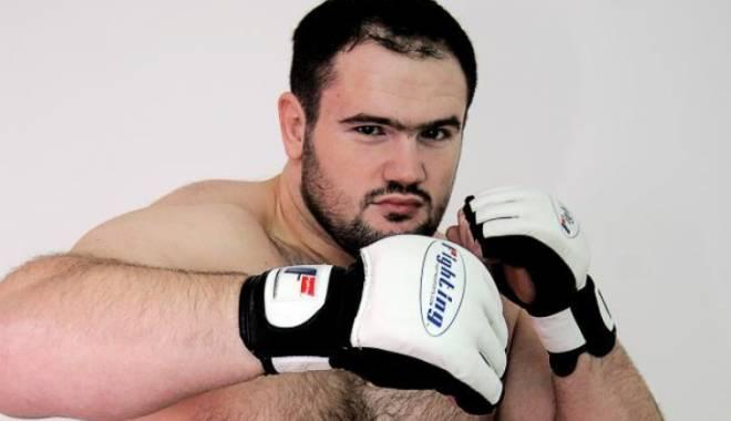 Foto: Luptător MMA din România, condamnat la patru ani de închisoare cu executare