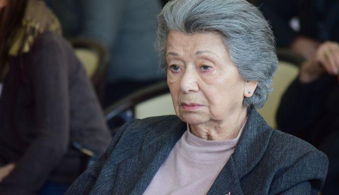 Nouă decenii de viaţă. Doamna teatrului constănţean, Ileana Ploscaru, la ceas aniversar - ileanaploscarusite2-1611940117.jpg