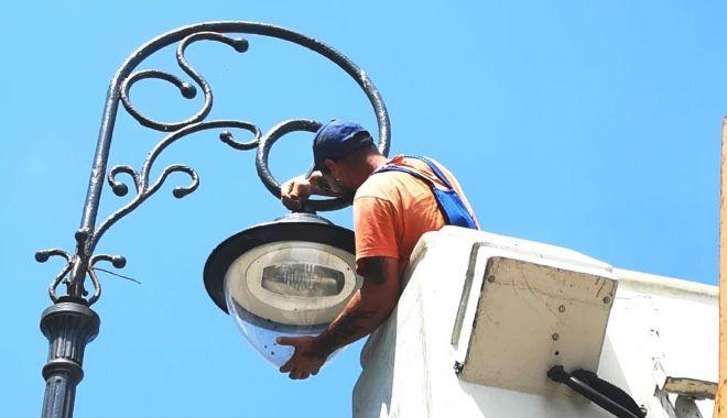 Faleza Cazinoului beneficiază de iluminat performant - iluminat-1628097859.jpg