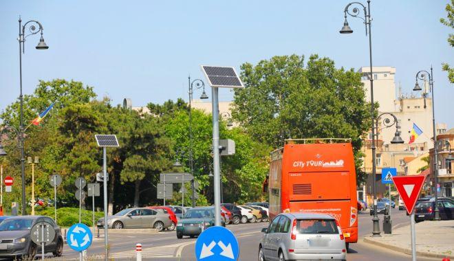 Foto: Administrația locală, proiect pentru iluminatul stradal cu energie regenerabilă