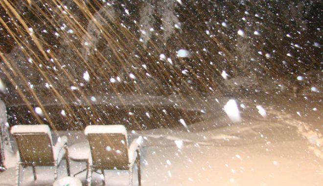 Foto: O furtună puternică de zăpadă face prăpăd în Statele Unite