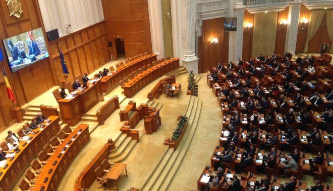 Foto: UPDATE. Votul pentru şefia Camerei Deputaţilor se dă astăzi