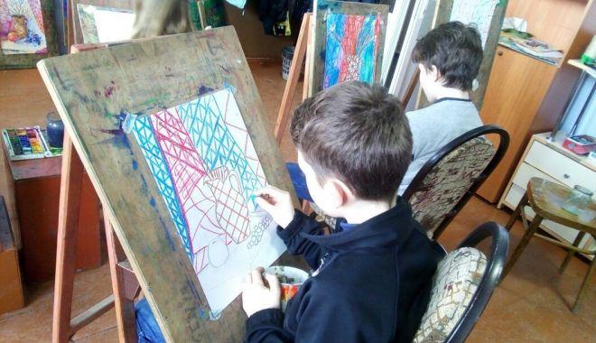 Lăsaţi imaginaţia copiilor să călătorească într-o lume veselă şi colorată! - imaginatiecopii-1617117177.jpg