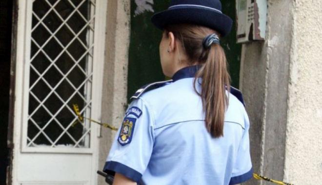 Foto: Poliţistă BĂTUTĂ în trafic de un şofer beat! Tânăra a fost lovită de bărbat în timp ce încerca să-l imobilizeze