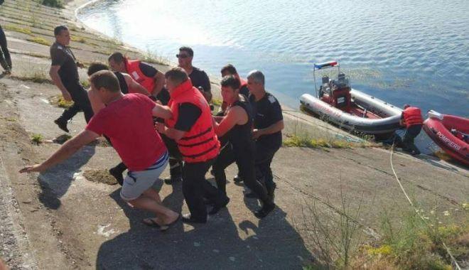 Foto: TRAGEDIE FĂRĂ MARGINI! Un copil de 14 ani a murit, după ce a alunecat într-un canal de irigaţii
