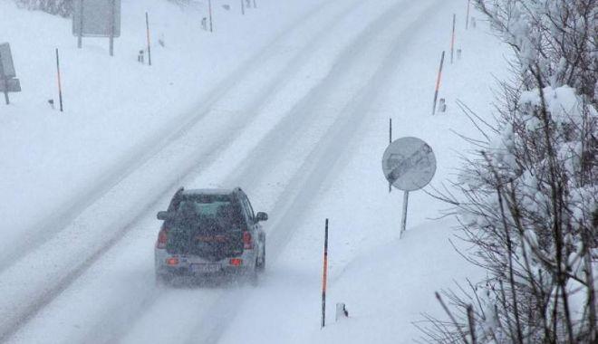 Foto: Atenție șoferi! Se circulă în condiții de iarnă în toată țara
