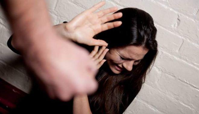 Foto: Ordin de protecţie emis de poliţiştii din Constanţa, după ce o femeie a fost agresată de soţ