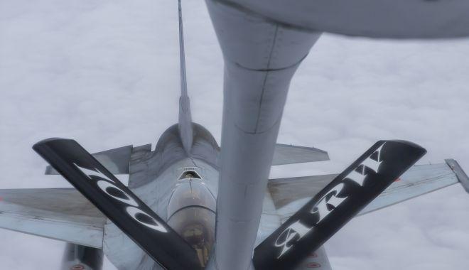 Galerie foto. Misiuni de realimentare în aer a aeronavelor F-16 Fighting Falcon - img0052-1552481508.jpg