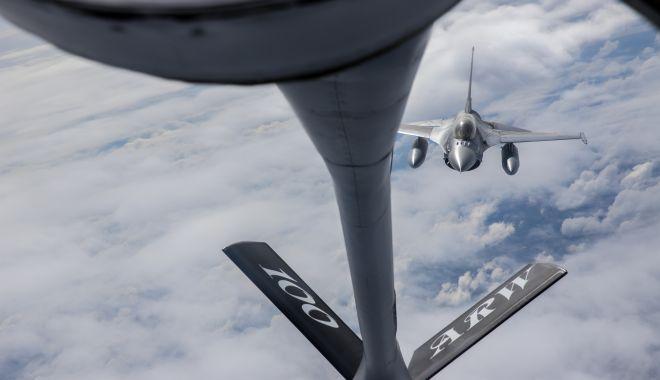 Galerie foto. Misiuni de realimentare în aer a aeronavelor F-16 Fighting Falcon - img0111-1552481435.jpg