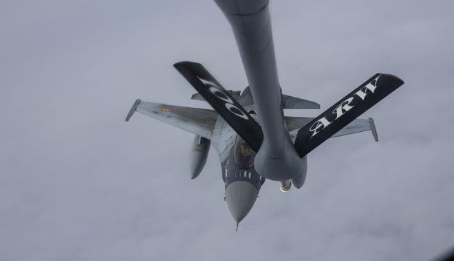 Galerie foto. Misiuni de realimentare în aer a aeronavelor F-16 Fighting Falcon - img0268-1552481603.jpg