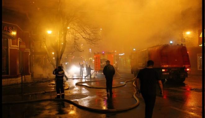 """Foto: Ce spun pompierii despre incendiul de la Beirut: """"AM FOST ANUNŢAŢI PREA TÂRZIU"""""""