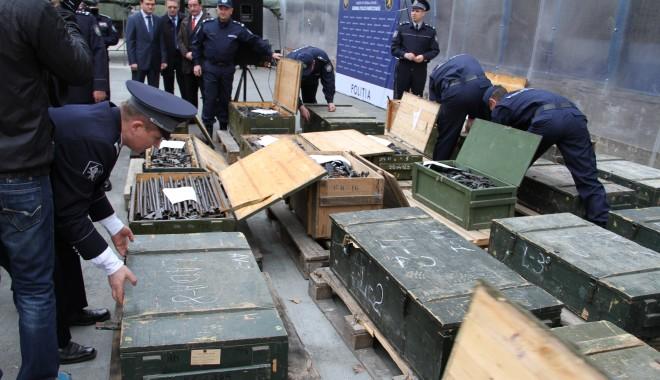 Foto: SUA și Libia au distrus armele chimice ale lui Gaddafi