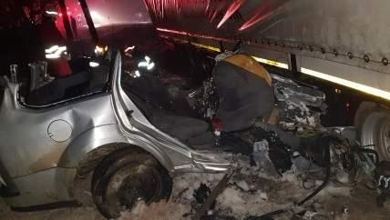 Foto: TRAGEDIE FĂRĂ MARGINI! Cinci oameni au murit striviţi de un TIR